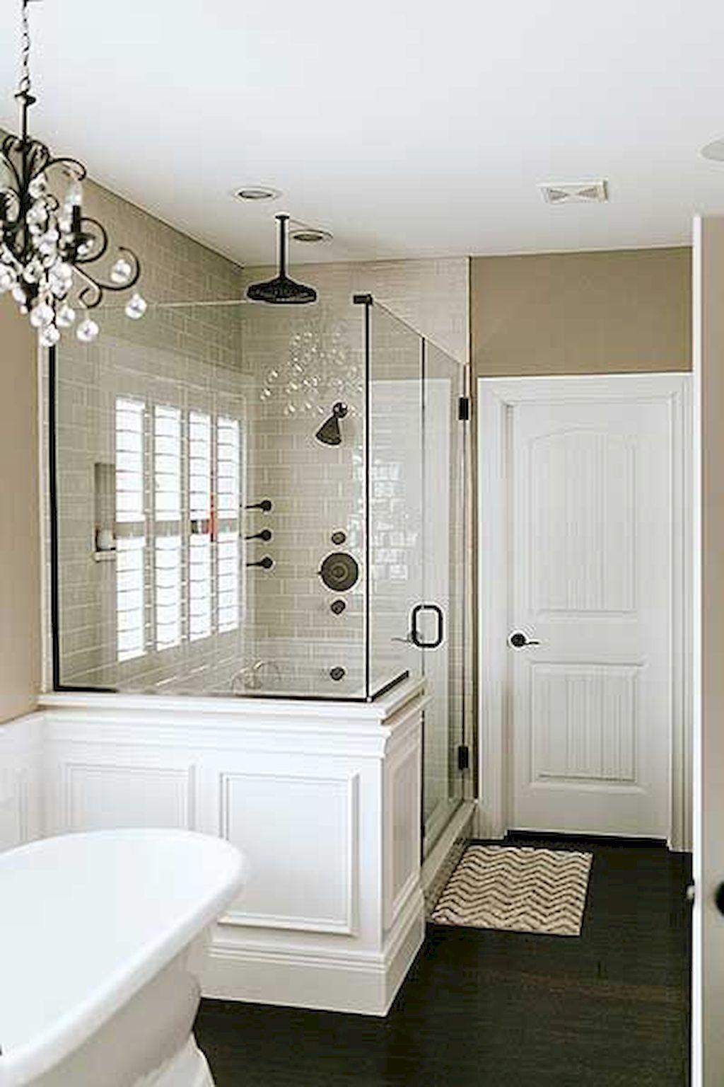 Popular And Stylish Small Master Bathroom Remodel Ideas 18