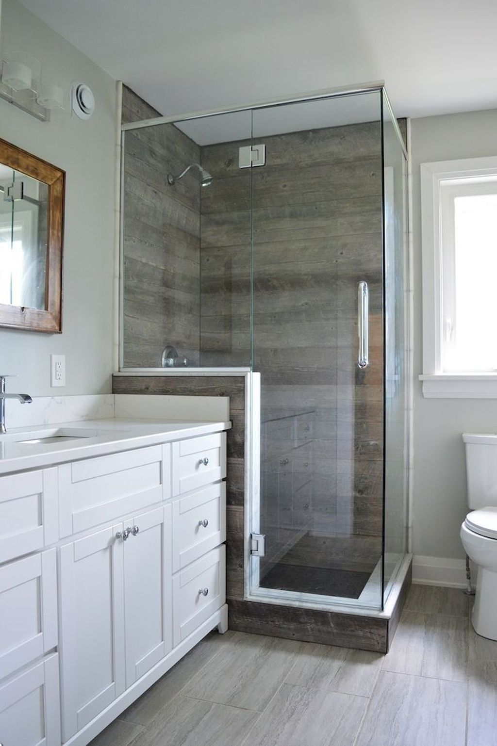 Popular And Stylish Small Master Bathroom Remodel Ideas 20