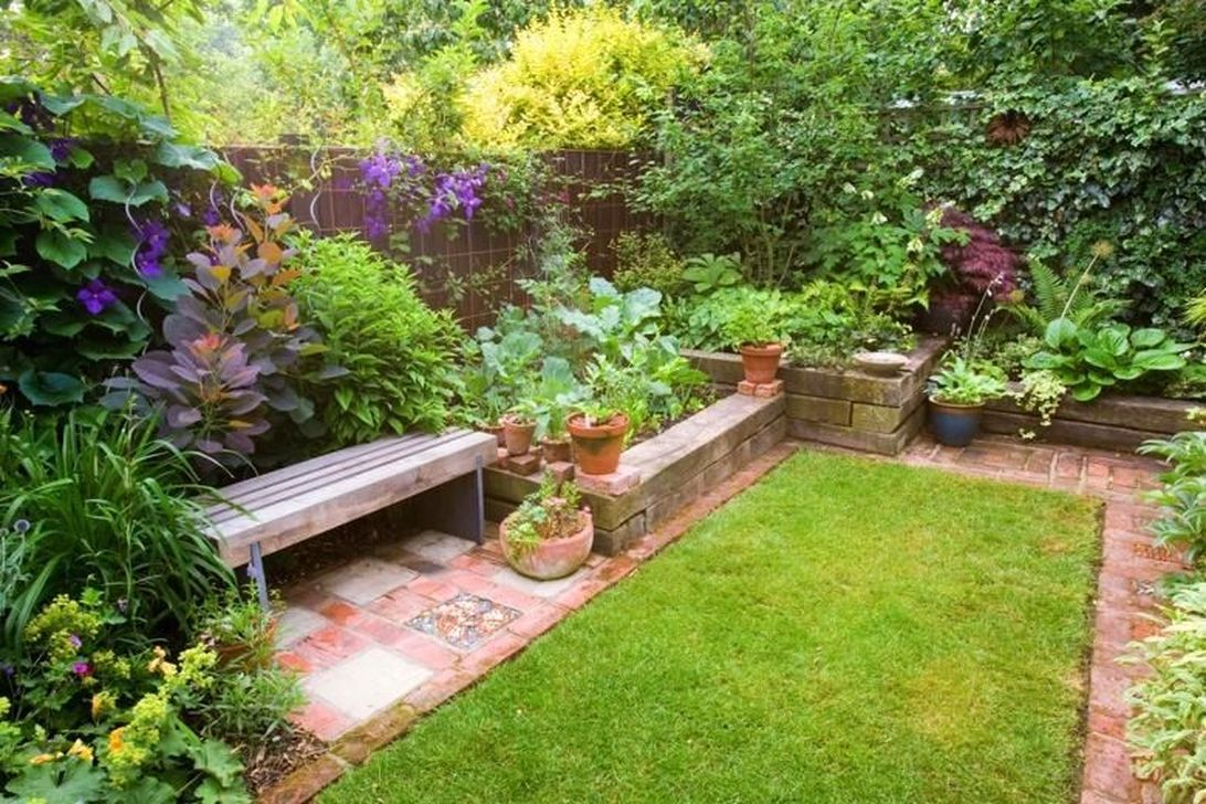 Stunning Tiny Garden Design Ideas To Get Beautiful Look 23