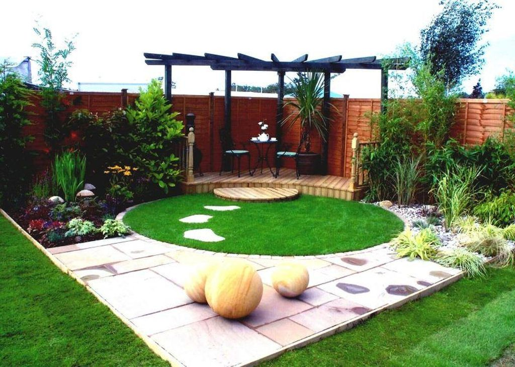Stunning Tiny Garden Design Ideas To Get Beautiful Look 32