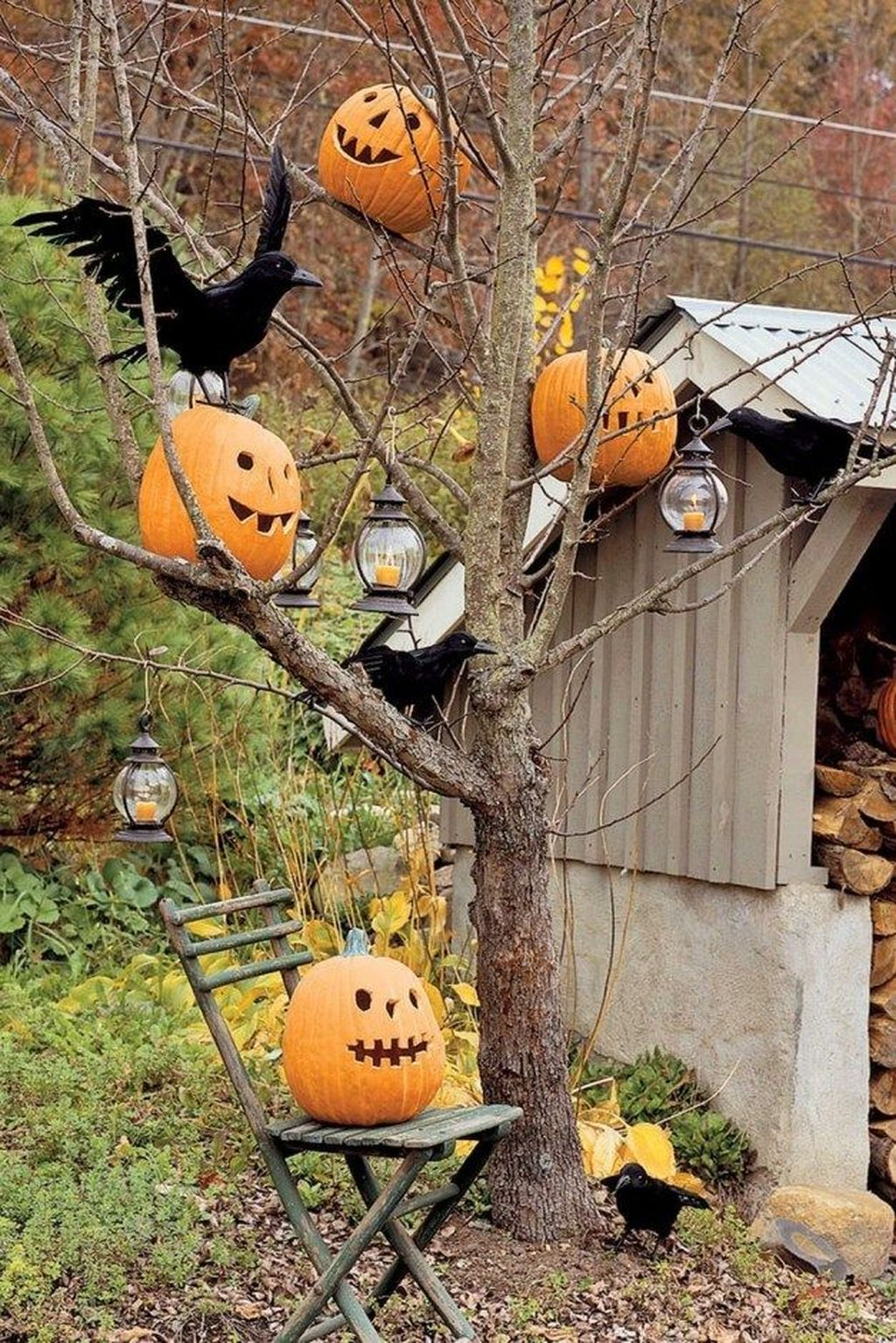 Amazing Halloween Outdoor Decorations Ideas 02