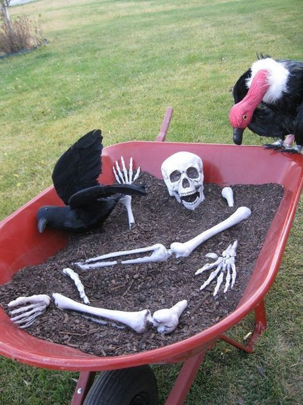 Amazing Halloween Outdoor Decorations Ideas 07