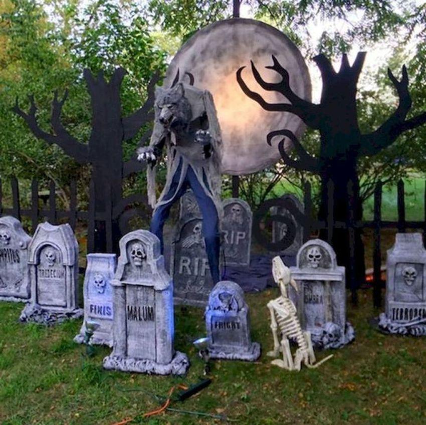 Amazing Halloween Outdoor Decorations Ideas 25