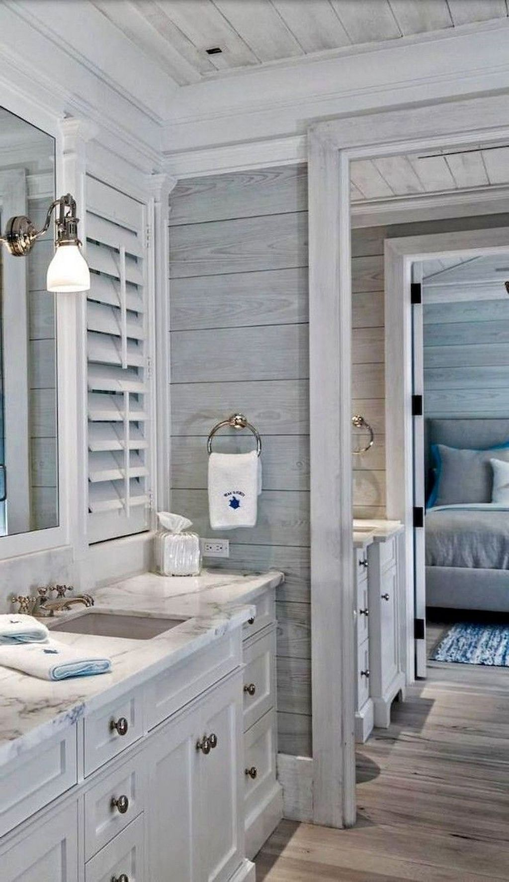 Awesome Coastal Style Bathroom Decorating Ideas 10
