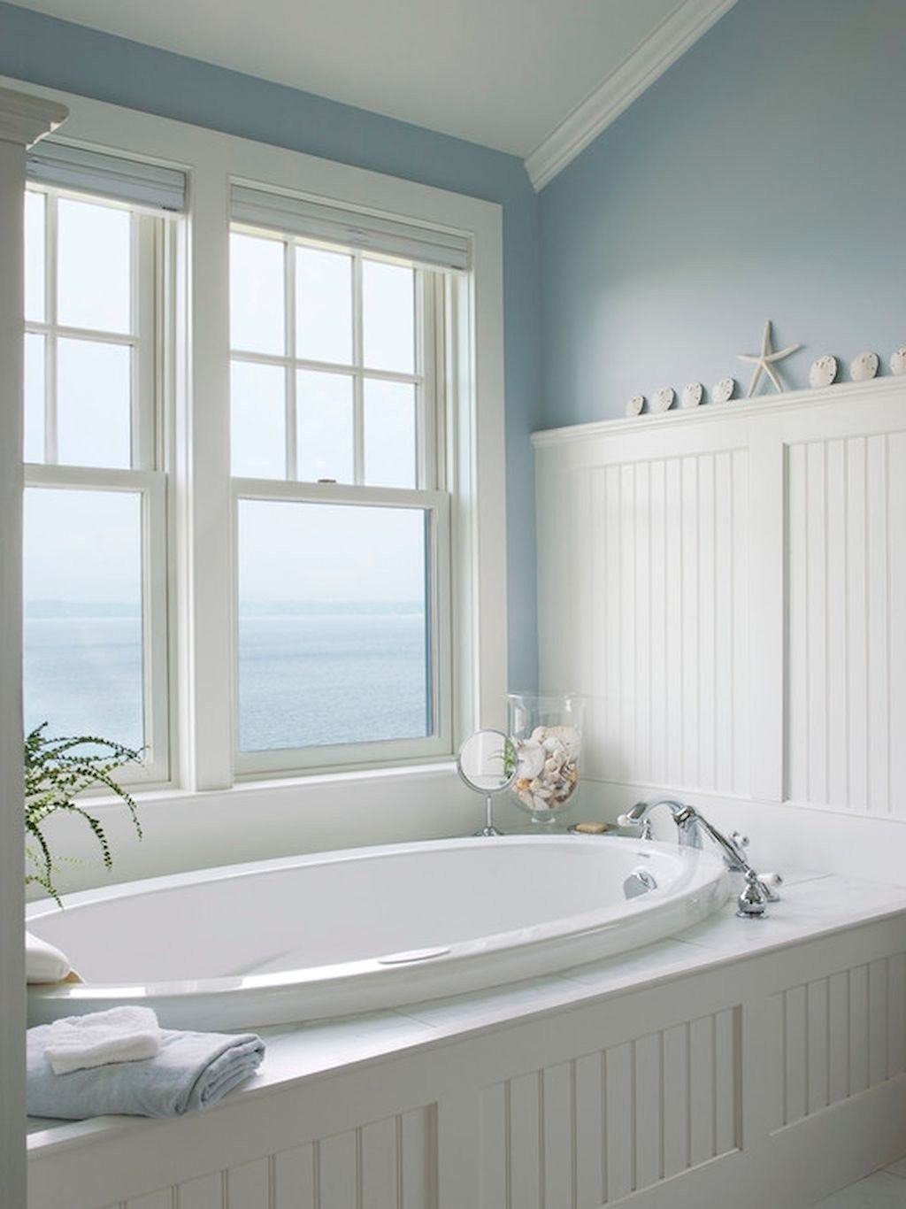 Awesome Coastal Style Bathroom Decorating Ideas 21
