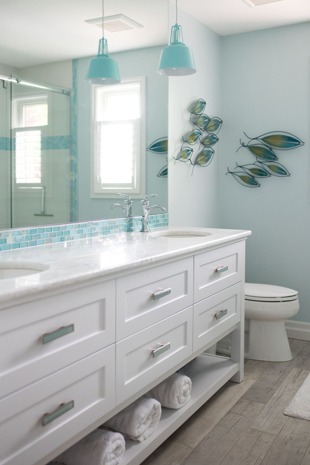 Awesome Coastal Style Bathroom Decorating Ideas 28