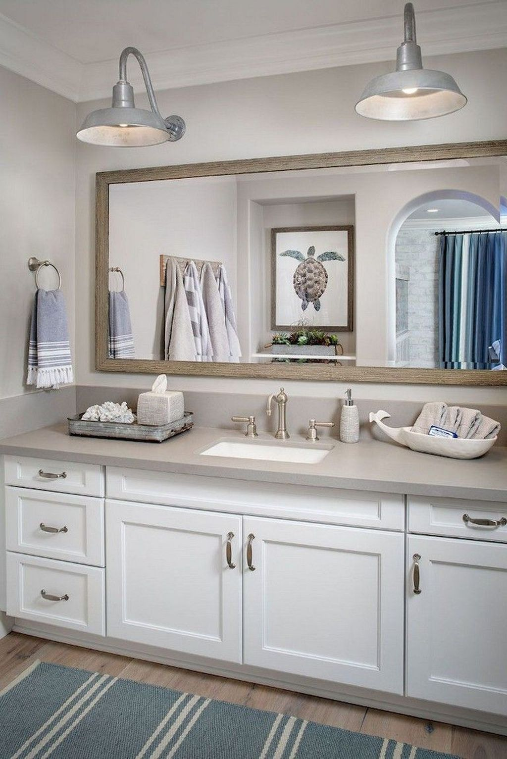 Awesome Coastal Style Bathroom Decorating Ideas 31