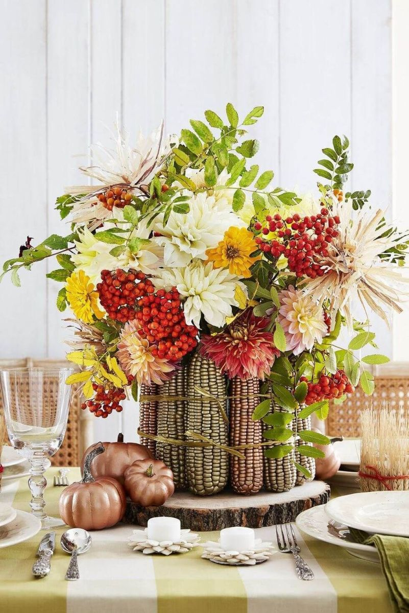 Awesome Fall Table Decorations Ideas You Should Apply This Year 27