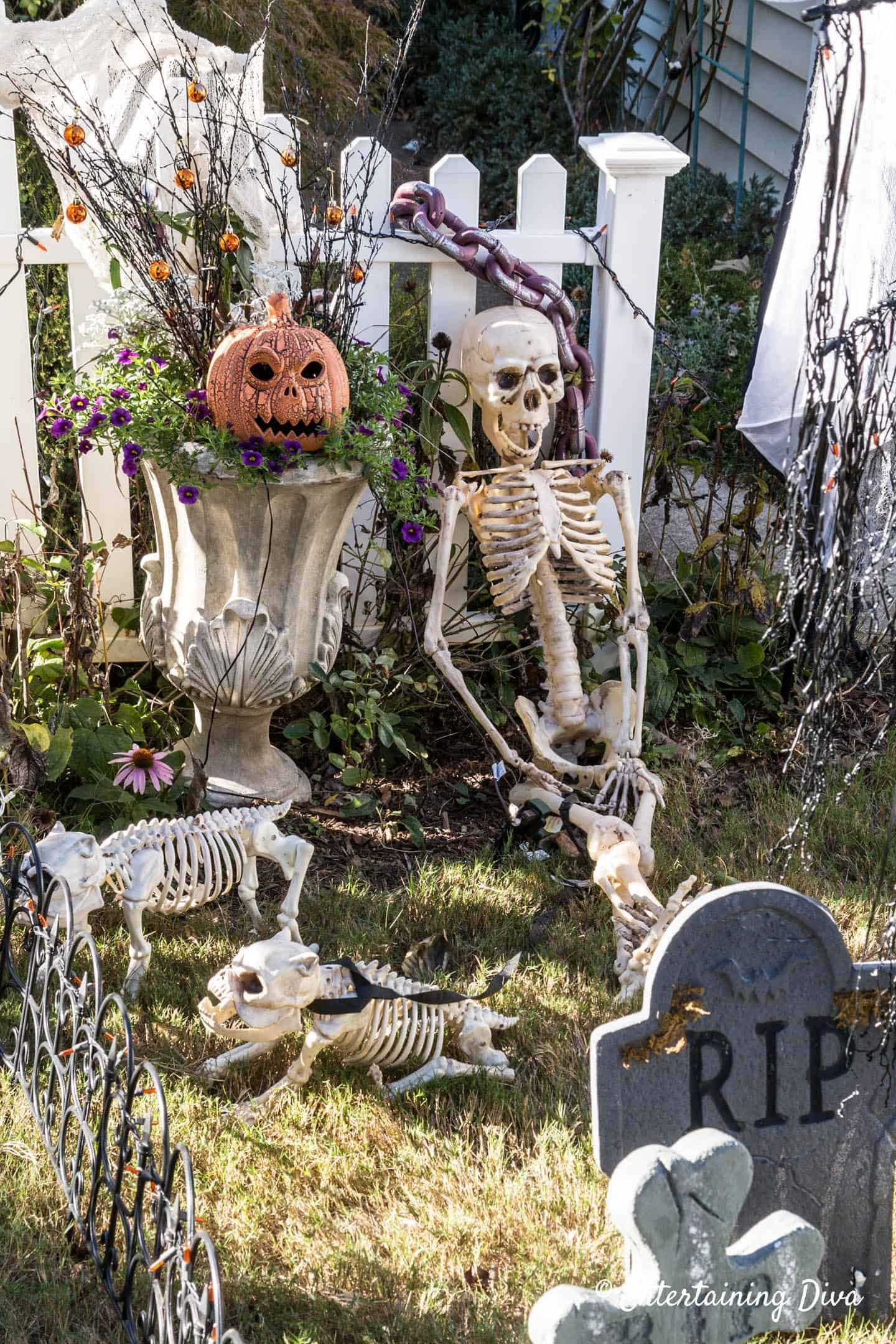 Awesome Spooky Halloweeen Home Decoration Ideas 24