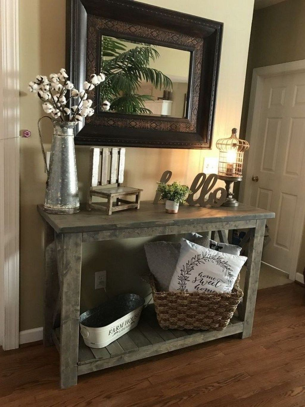 Beautiful Fall Entryway Decor Ideas 10