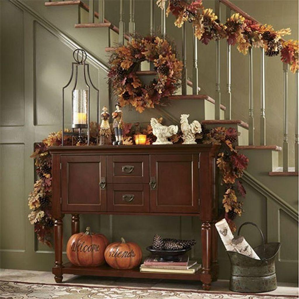Beautiful Fall Entryway Decor Ideas 11