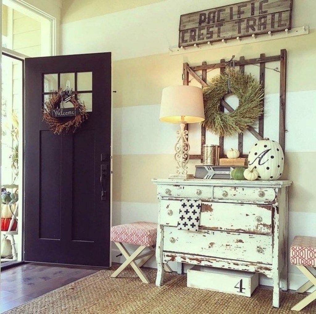 Beautiful Fall Entryway Decor Ideas 16
