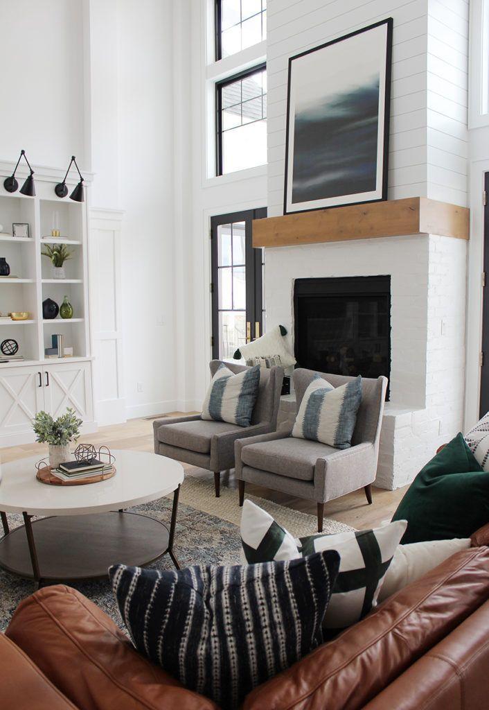 Beautiful Family Room Design Ideas 19