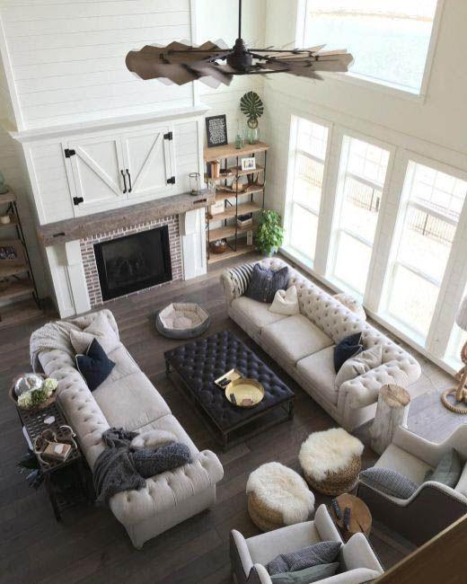 Beautiful Family Room Design Ideas 35