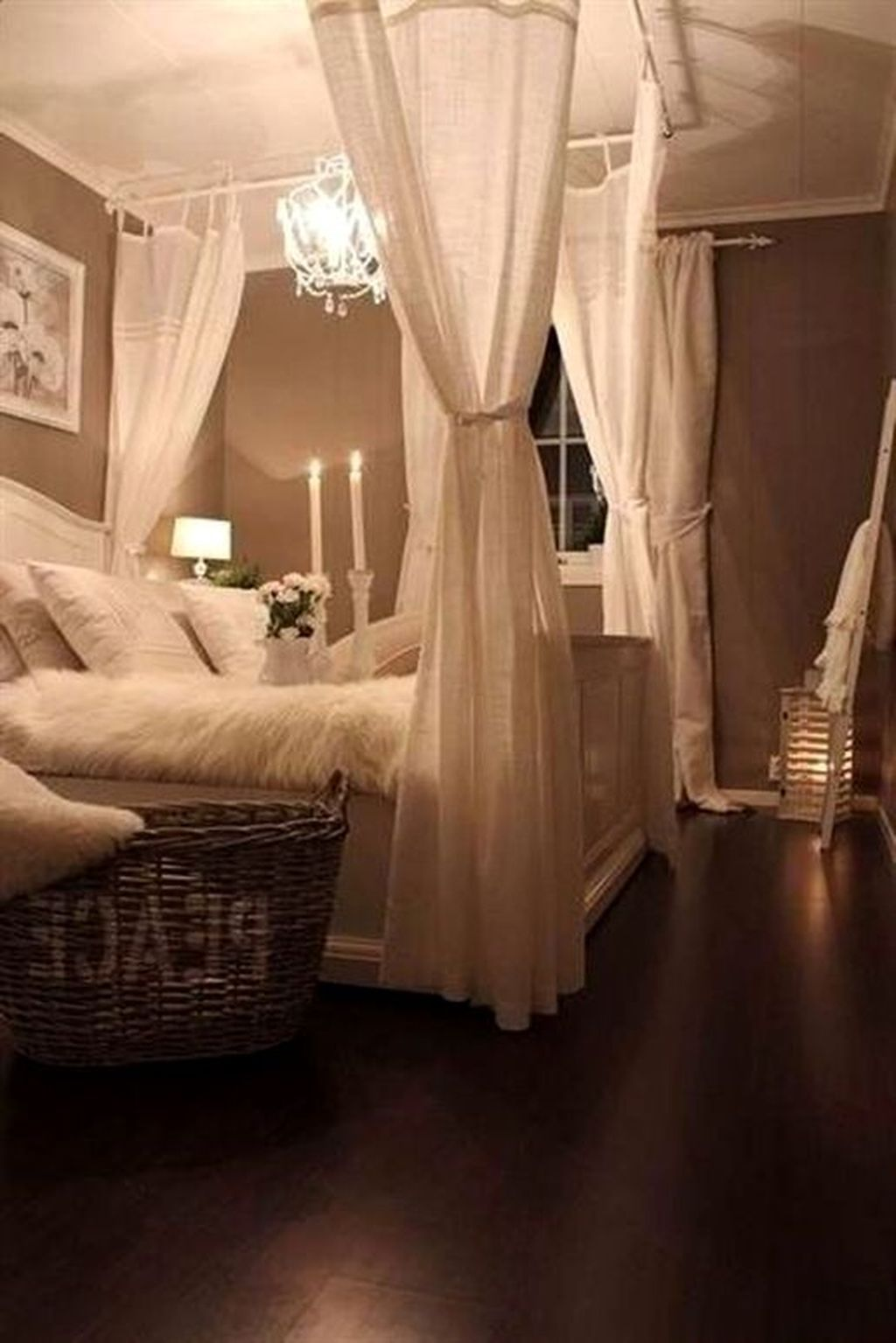Beautiful Romantic Bedroom Lighting Ideas 30