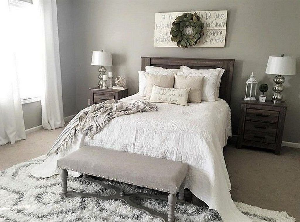 Beautiful Small Master Bedroom Design Ideas On A Budget 04