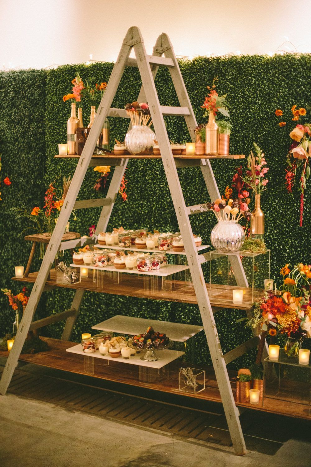 Gorgeous Vintage Ladder Decor Ideas 30
