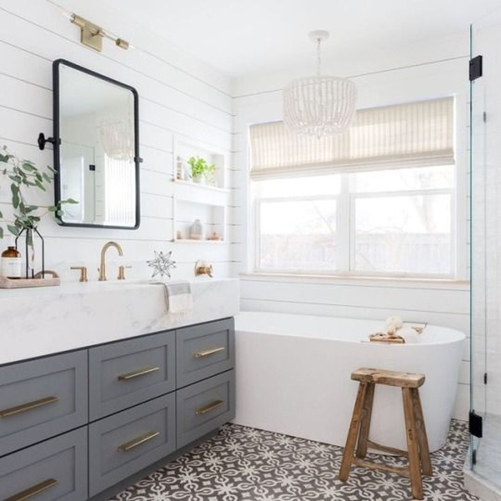 Lovely Classic Bathroom Design Ideas 14