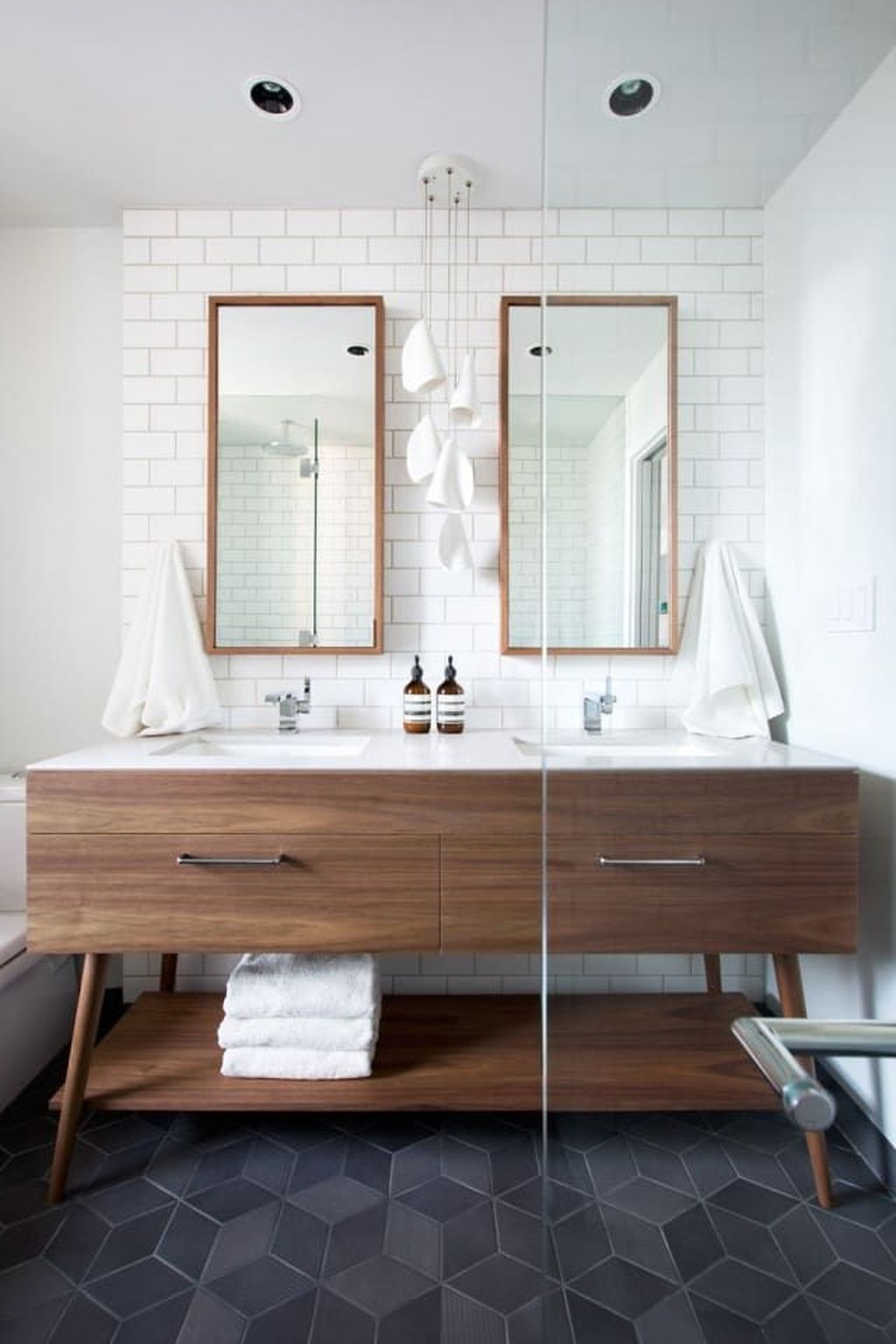 Lovely Classic Bathroom Design Ideas 15