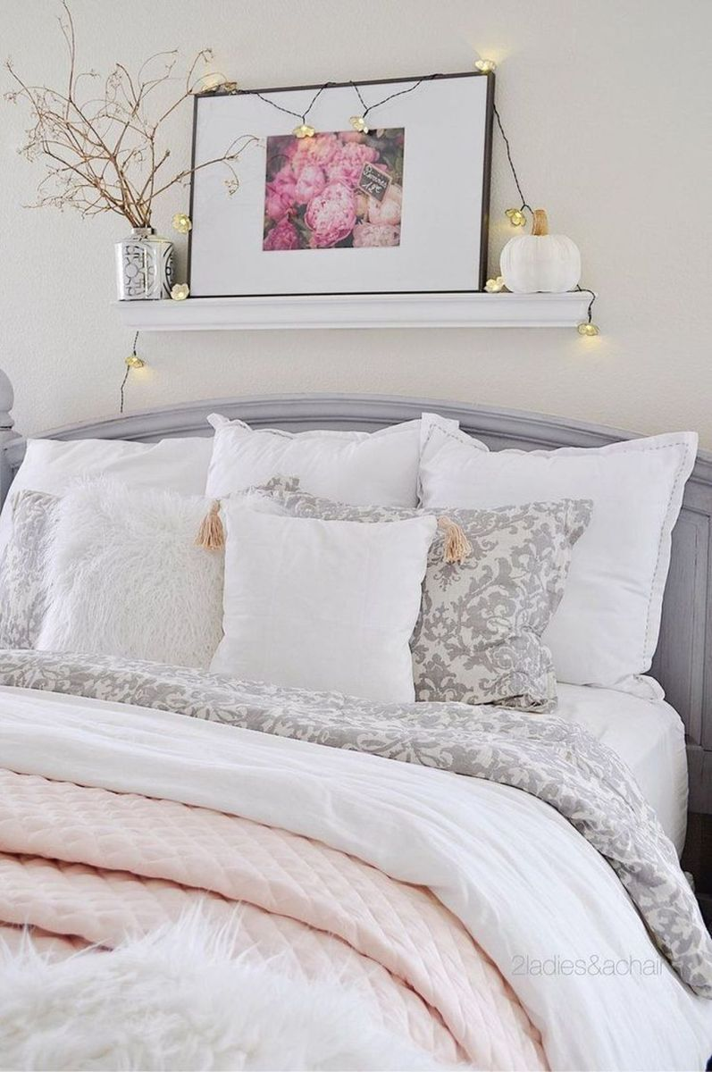 Lovely Fall Bedroom Decor Ideas That Will Popular This Year 13