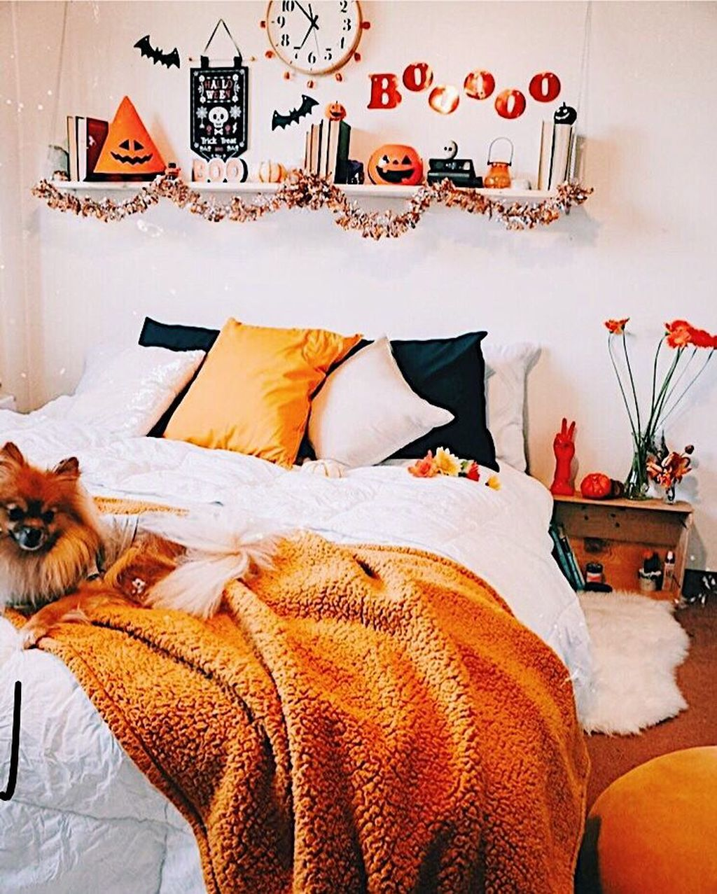 Lovely Fall Bedroom Decor Ideas That Will Popular This Year 16