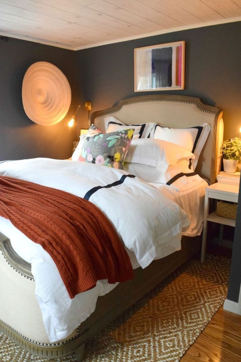 Lovely Fall Bedroom Decor Ideas That Will Popular This Year 25
