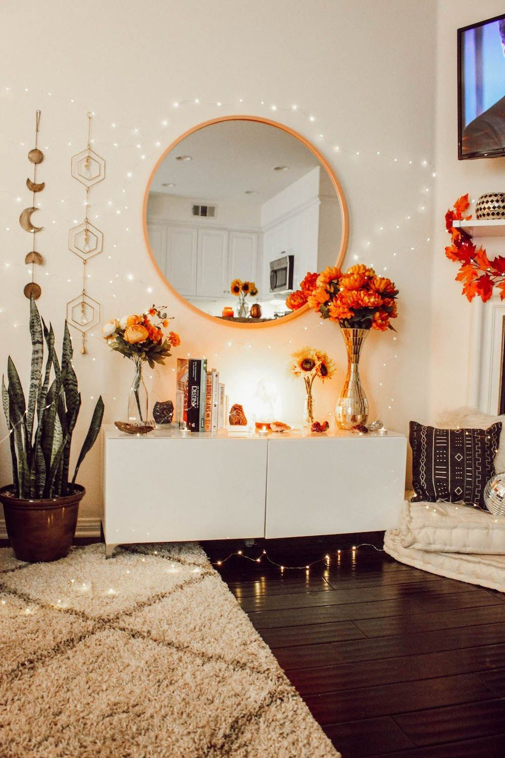 Lovely Fall Bedroom Decor Ideas That Will Popular This Year 29