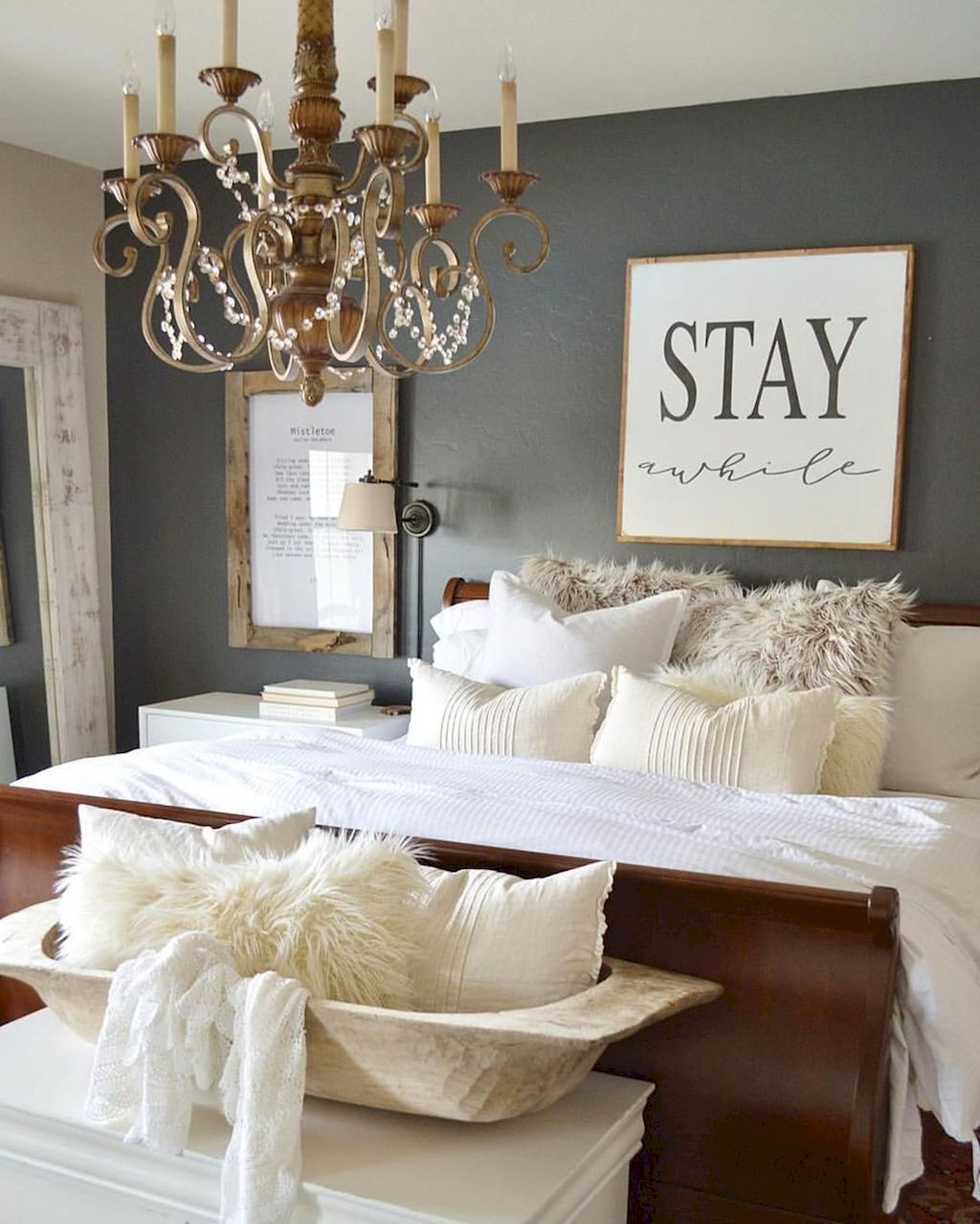 Lovely Guest Bedrooms Decoration Ideas 21