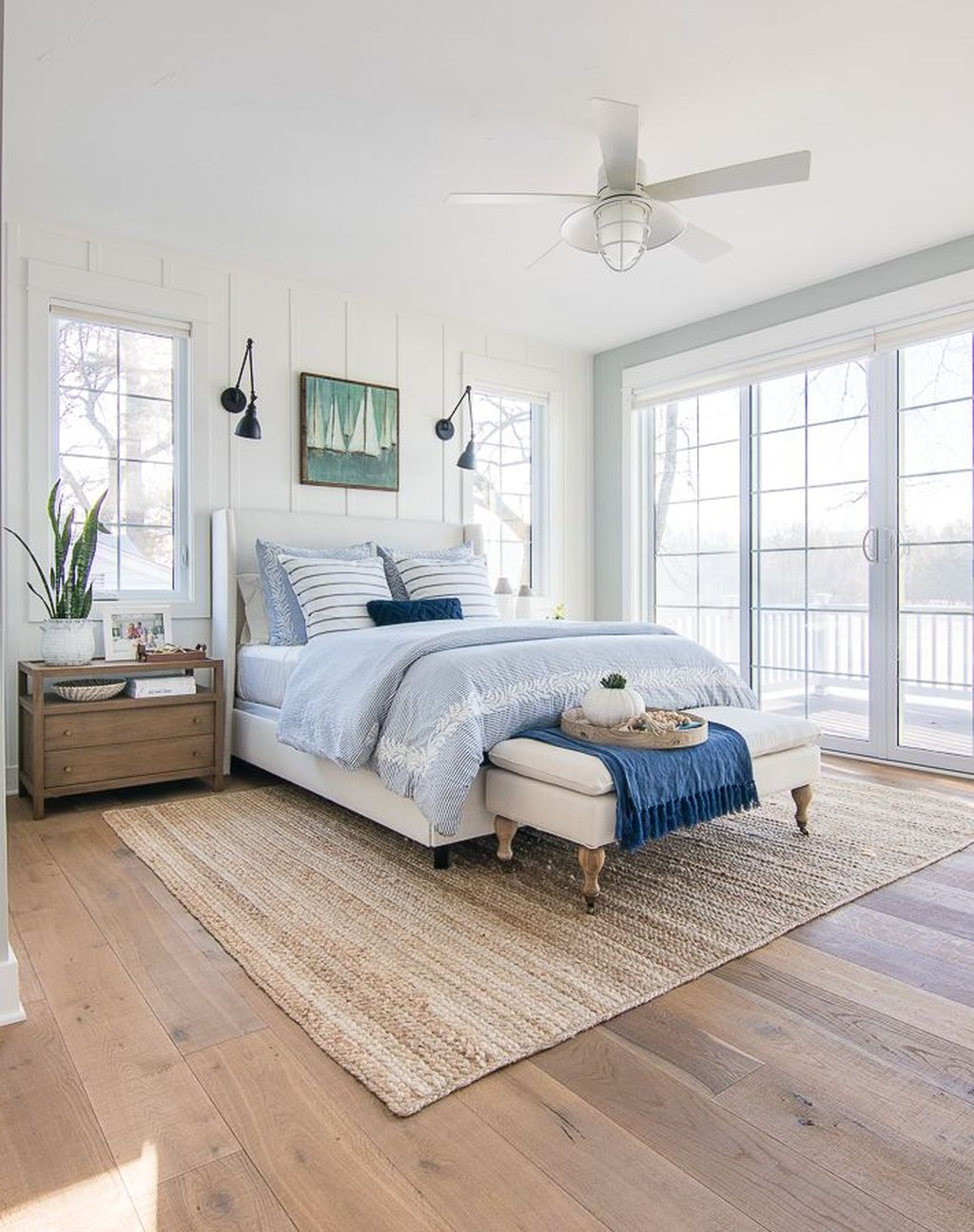 Lovely Lake Bedroom Decorating Ideas 04