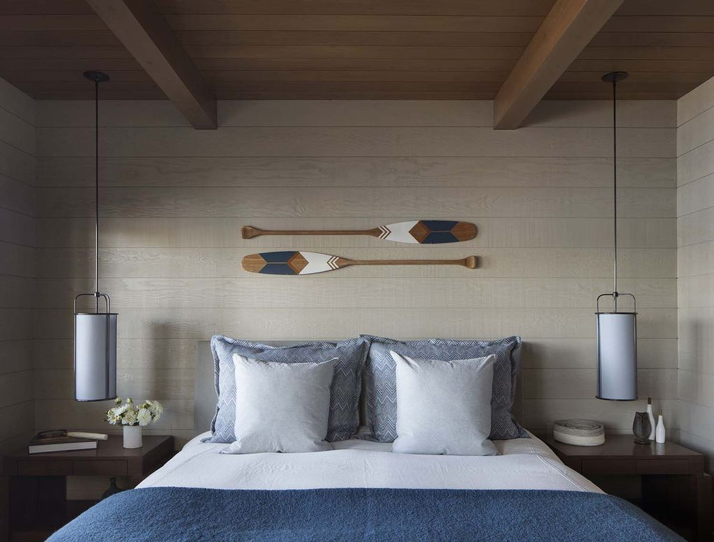 Lovely Lake Bedroom Decorating Ideas 29
