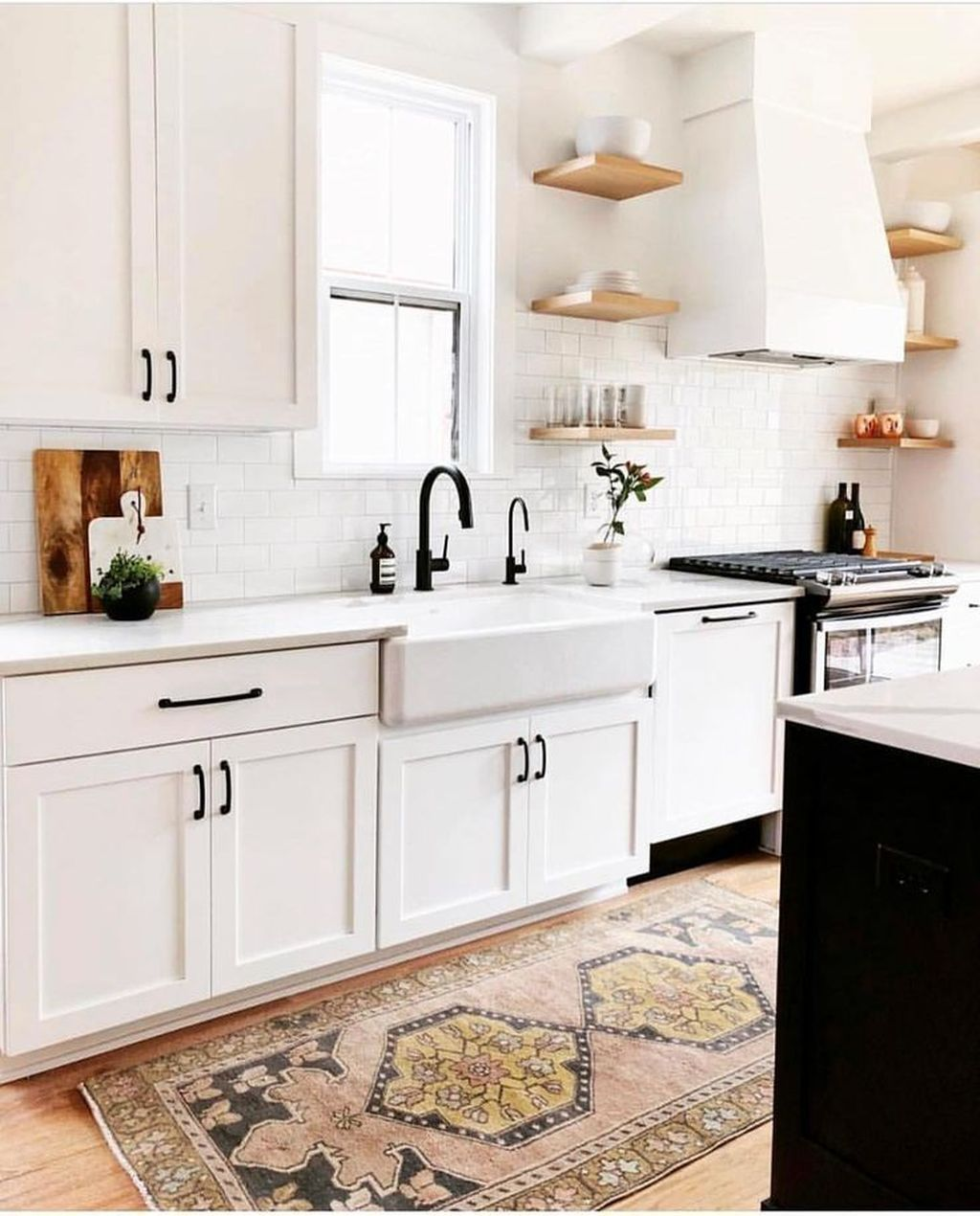 Popular White Kitchen Design Ideas 07