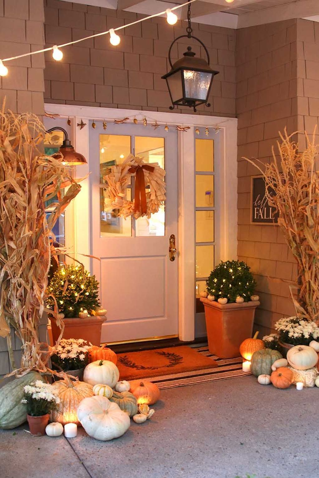 Simple Fall Porch Decorating Ideas 03