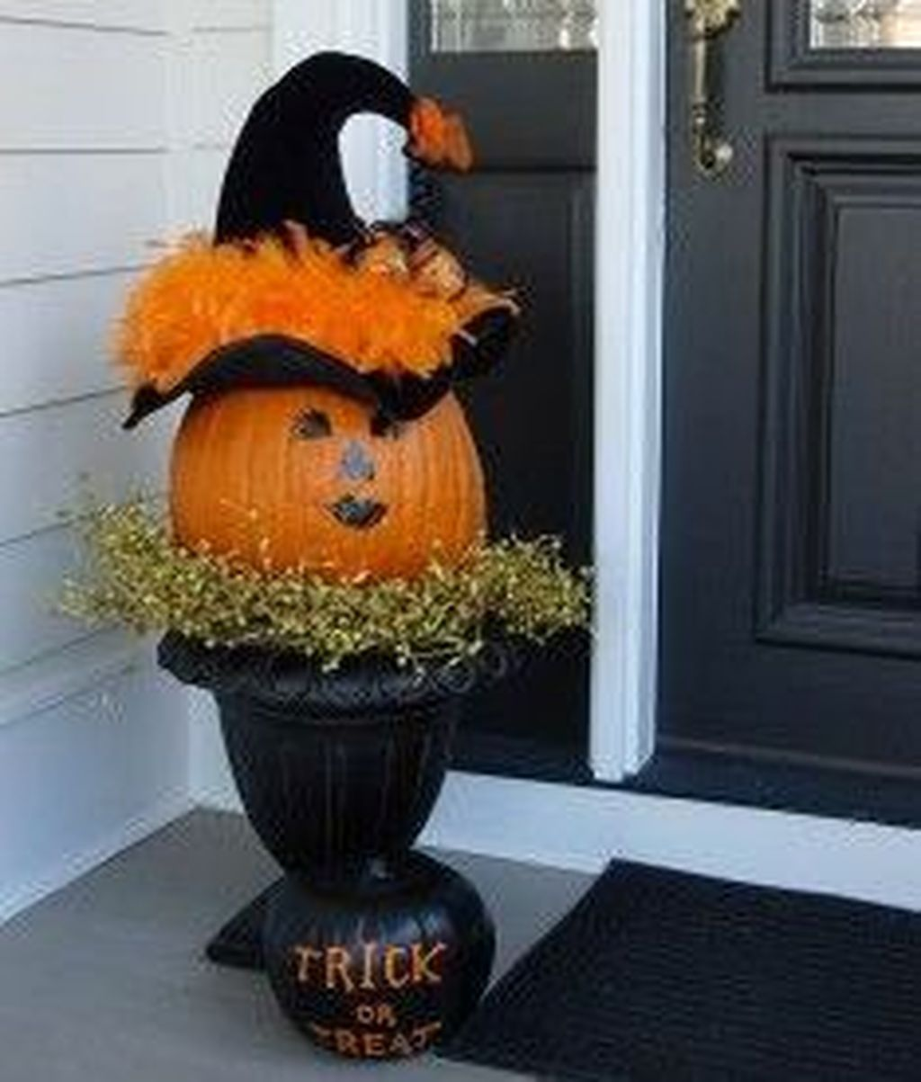 Simple Fall Porch Decorating Ideas 08