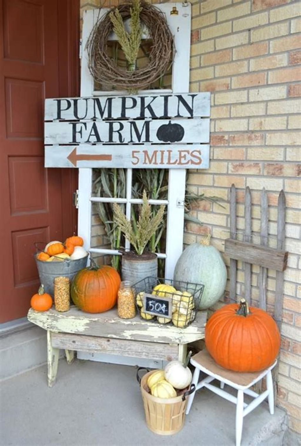 Simple Fall Porch Decorating Ideas 10