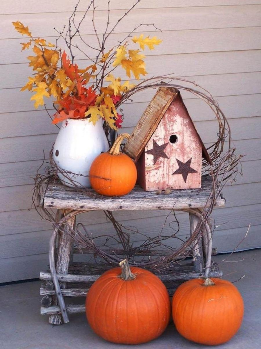 Simple Fall Porch Decorating Ideas 17
