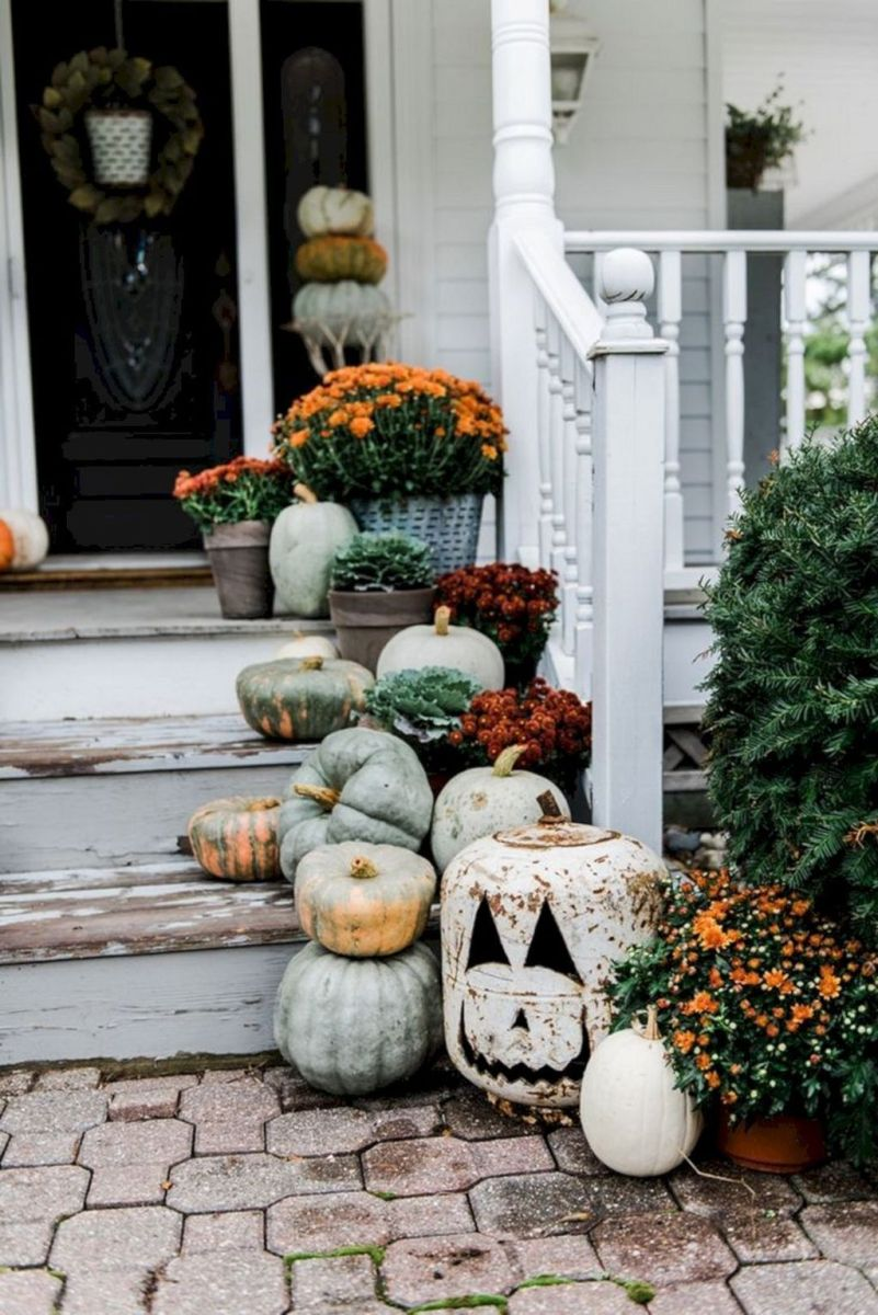 Simple Fall Porch Decorating Ideas 28