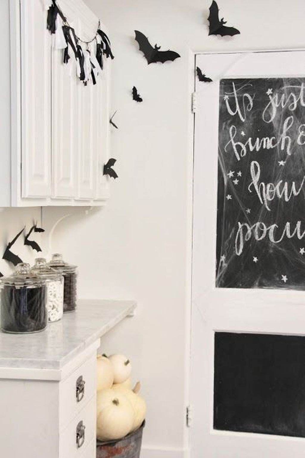 Stunning Halloween Kitchen Decor Ideas 10