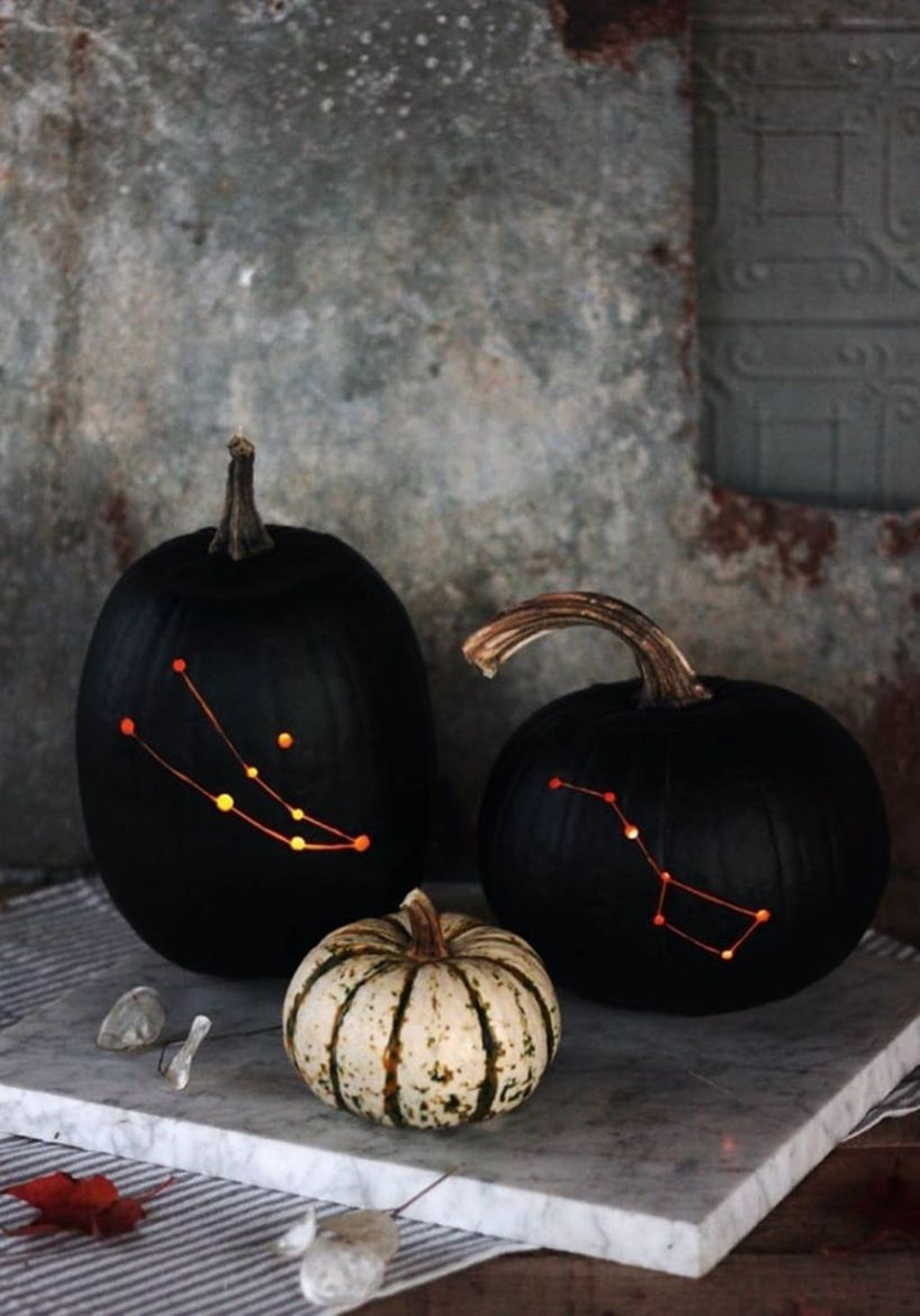 Stunning Halloween Kitchen Decor Ideas 13