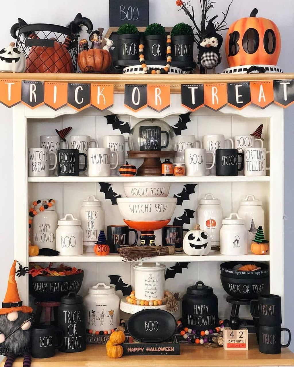 Stunning Halloween Kitchen Decor Ideas 23