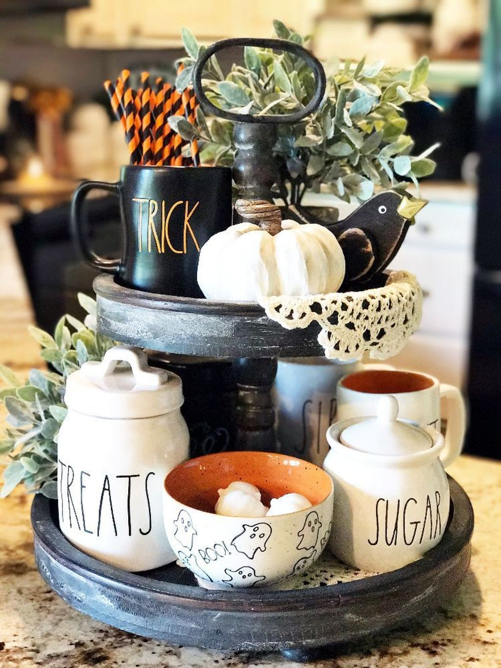 Stunning Halloween Kitchen Decor Ideas 32
