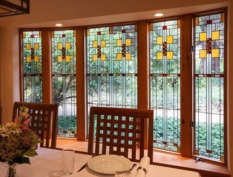 Stunning Leaded Glass Windows Design Ideas 14