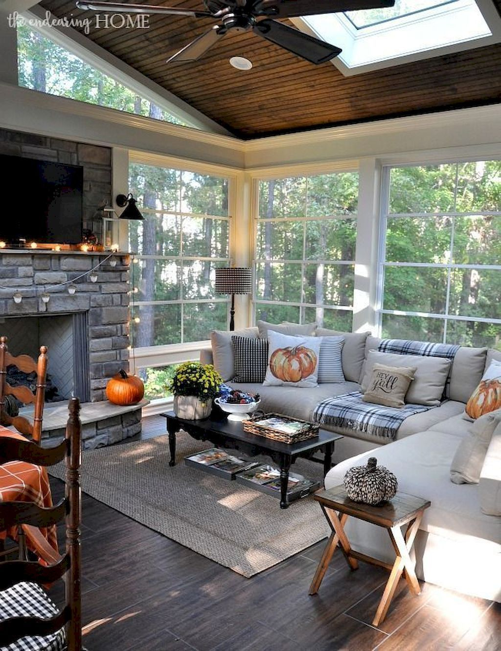 The Best Fall Living Room Decor Ideas Because Autumn Is Coming 34