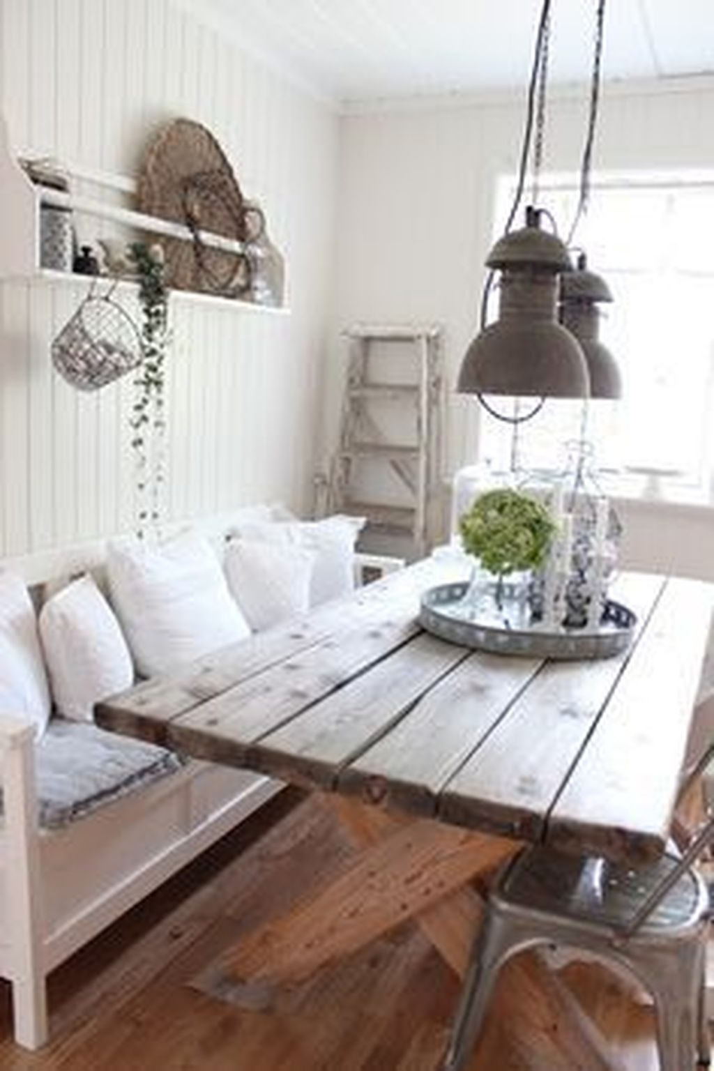 The Best Rustic Dining Room Decoration Ideas 22