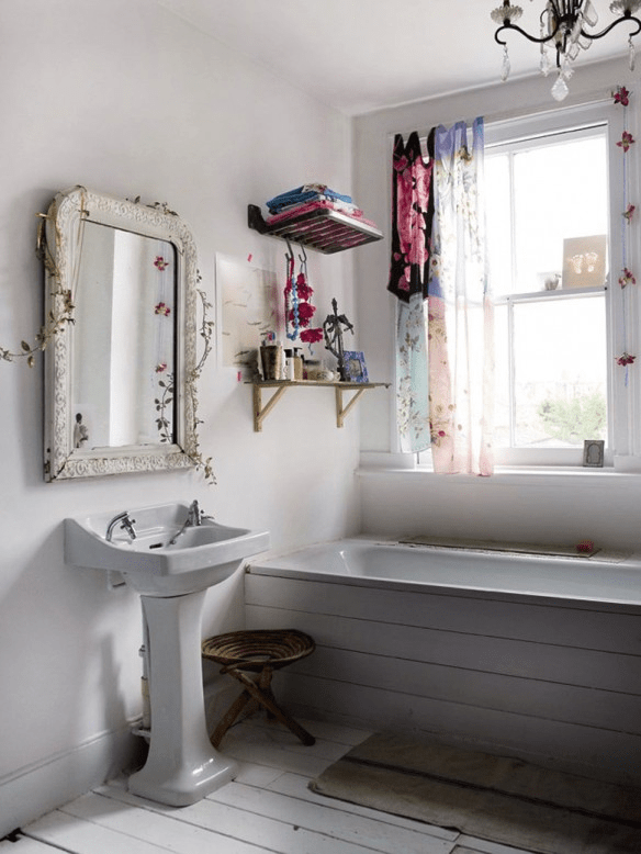 Amazing Bohemian Style Bathroom Decor Ideas 21
