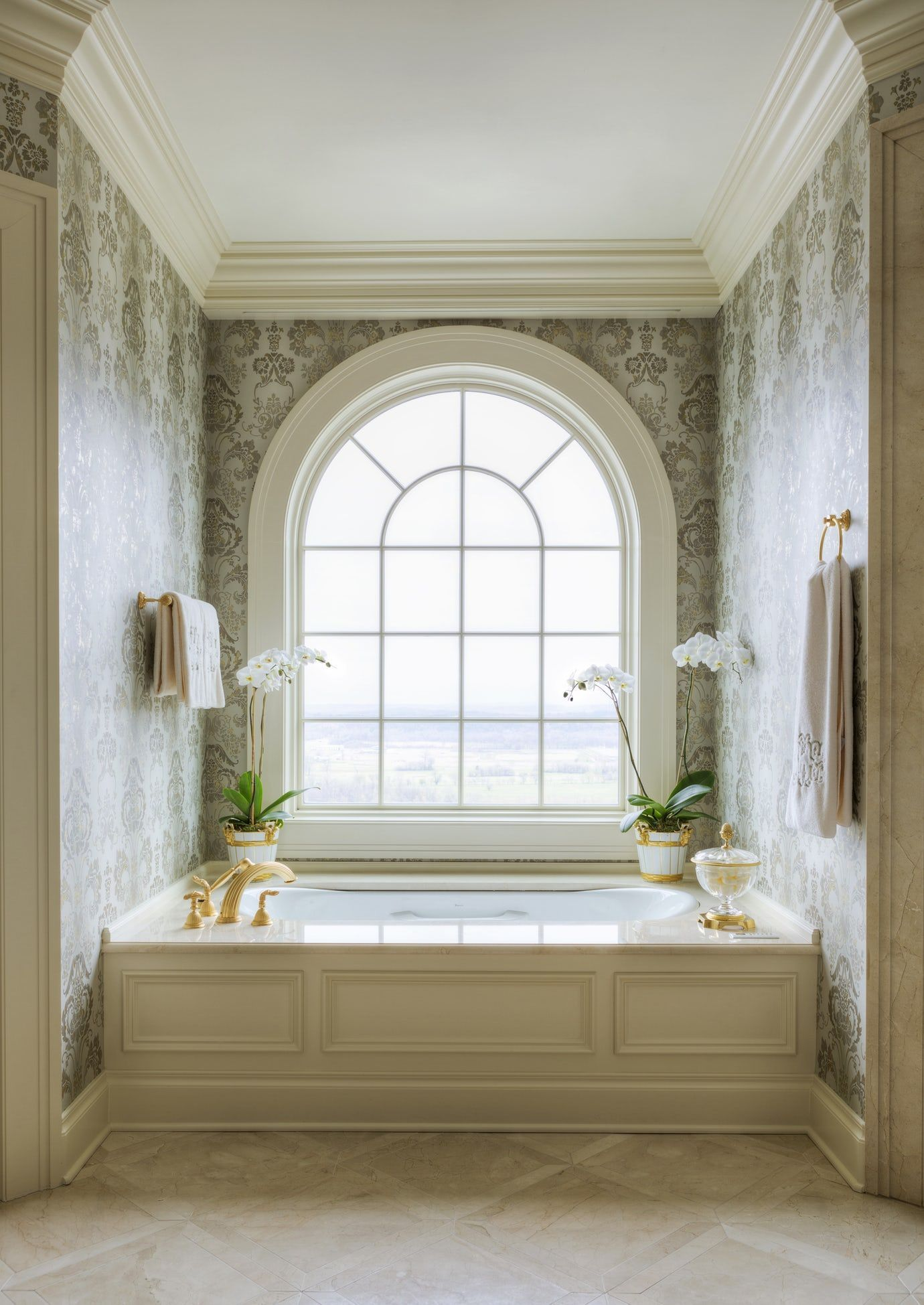 Gorgeous Traditional Bathroom Design Ideas 16
