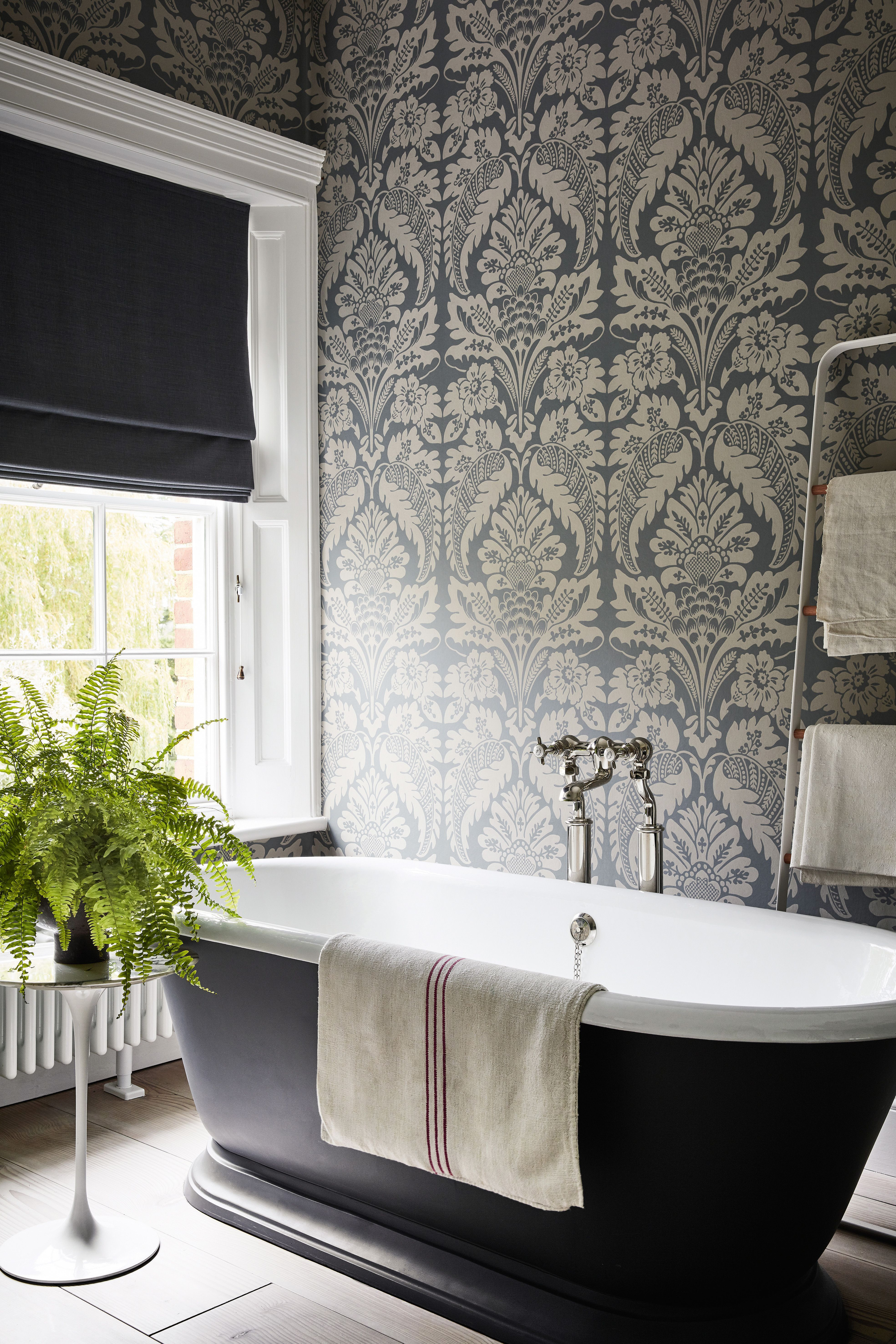 Gorgeous Traditional Bathroom Design Ideas 23