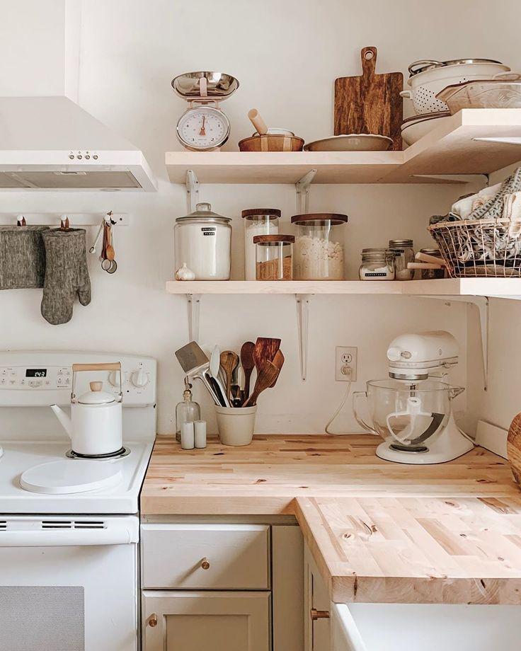 Inspiring White Kitchen Design Ideas With Luxury Accent 17