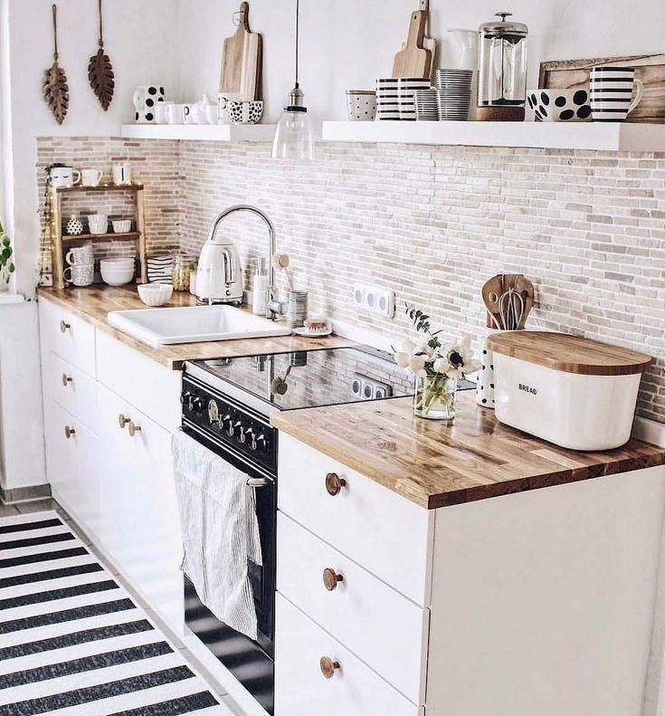 Inspiring White Kitchen Design Ideas With Luxury Accent 22