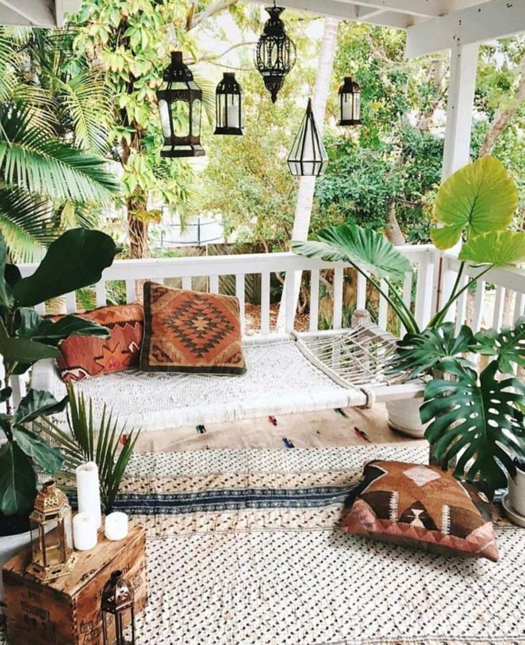 Lovely Bohemian Style Ideas For Your Outdoor Design 02