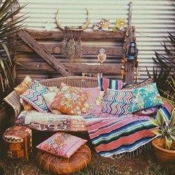 Lovely Bohemian Style Ideas For Your Outdoor Design 16